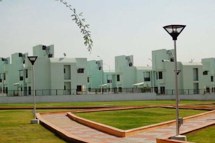 https://cache.careers360.mobi/media/colleges/social-media/media-gallery/390/2017/11/9/Indian-Institute-of-Management-Indore-(18).JPG