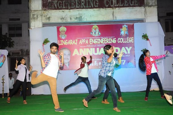 https://cache.careers360.mobi/media/colleges/social-media/media-gallery/3925/2019/2/25/Dance performance of Lingarajappa Engineering College Bidar_Events.jpg