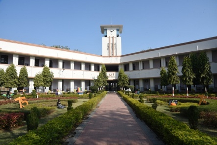 https://cache.careers360.mobi/media/colleges/social-media/media-gallery/3934/2018/9/5/Campus view of Laxminarayan Institute of Technology_Campus-View.jpg