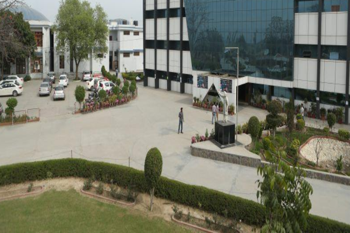 https://cache.careers360.mobi/media/colleges/social-media/media-gallery/3940/2019/4/2/Campus View of Lala Lajpat Rai Institute of Engineering and Technology Moga_Campus-view.png