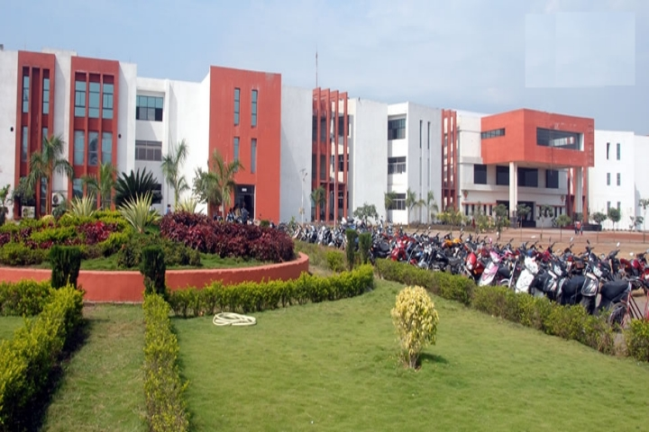 https://cache.careers360.mobi/media/colleges/social-media/media-gallery/3954/2018/10/8/Campus View of Kruti Institute of Technology and Engineering Raipur_Campus-View.jpg