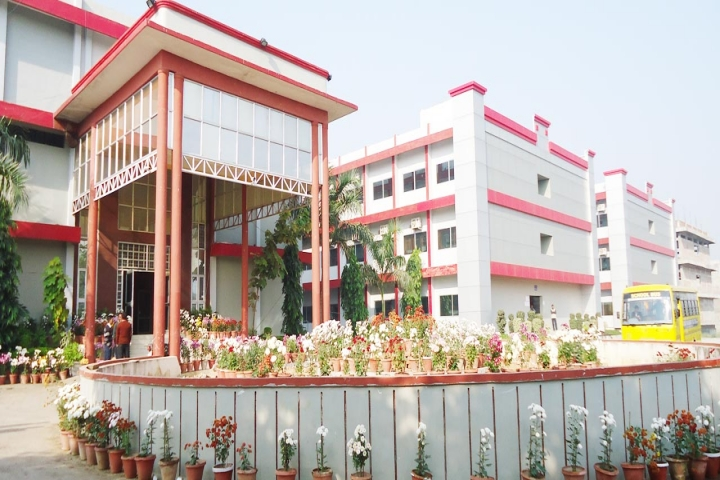 https://cache.careers360.mobi/media/colleges/social-media/media-gallery/4048/2018/9/20/Campus view of Kali Charan Nigam Institute of Technology_Campus-view.jpg