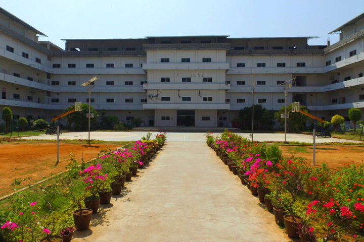 https://cache.careers360.mobi/media/colleges/social-media/media-gallery/4054/2019/2/15/Campus view of Kakinada Institute of Engineering and Technology Korangi_Campus-view.png