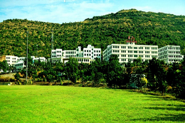 https://cache.careers360.mobi/media/colleges/social-media/media-gallery/4086/2018/9/22/Campus view of KJ College of Engineering and Management Research_campus-view.jpg