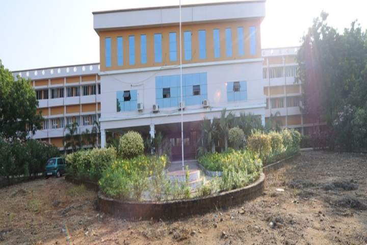 https://cache.careers360.mobi/media/colleges/social-media/media-gallery/4118/2019/4/3/Campus View of Jayaram College of Engineering and Technology Thuraiyur_Campus-View.jpg