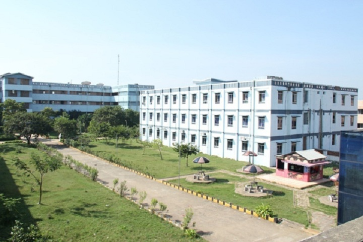 https://cache.careers360.mobi/media/colleges/social-media/media-gallery/4128/2019/3/6/College View of Jaya Engineering College Chennai_Campus-View.jpg
