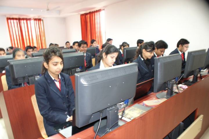https://cache.careers360.mobi/media/colleges/social-media/media-gallery/4175/2018/12/26/IT Lab of Invertis Institute of Engineering and Technology Bareilly_IT-Lab.JPG