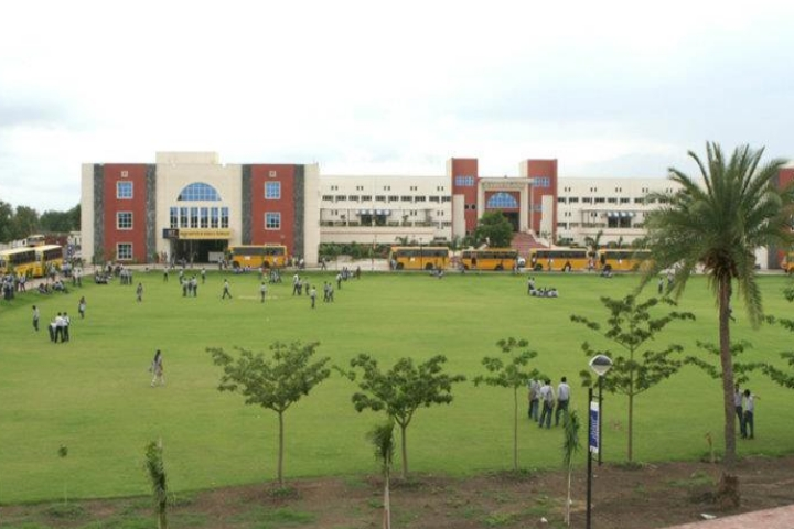 https://cache.careers360.mobi/media/colleges/social-media/media-gallery/4218/2019/4/4/Campus view of Indore Institute of Science and Technology Indore_Campus-view.jpg