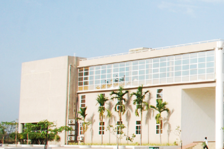 https://cache.careers360.mobi/media/colleges/social-media/media-gallery/4244/2018/12/13/Campus View entrance of IES Institute of Technology and Management Bhopal_Campus-View.png