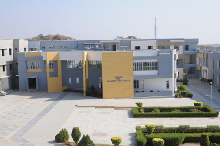 https://cache.careers360.mobi/media/colleges/social-media/media-gallery/4265/2019/4/2/Campus View of HJD Institute of Technical Education and Research Kutch_Campus View.JPG