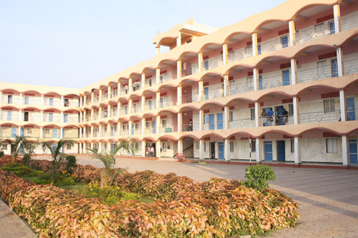 https://cache.careers360.mobi/media/colleges/social-media/media-gallery/4278/2019/3/23/Campus View of Shri Sant Gadge Baba College of Engineering and Technology Bhusawal_Campus-View.png