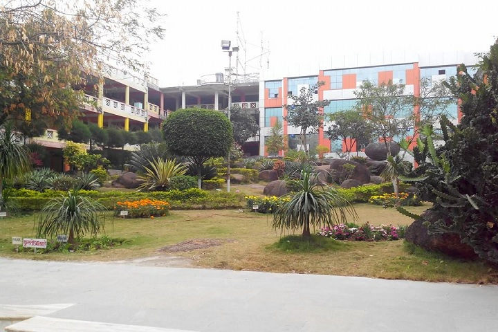 https://cache.careers360.mobi/media/colleges/social-media/media-gallery/4297/2019/3/14/College Building of Gyan Ganga College of Technology Jabalpur_Campus-View.jpg