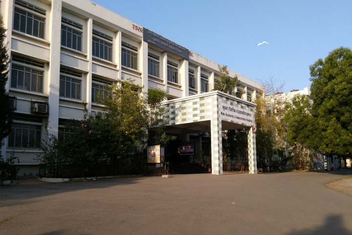 https://cache.careers360.mobi/media/colleges/social-media/media-gallery/4366/2018/10/1/Campus view of Government College of Engineering Jalgaon_Campus-View.jpg