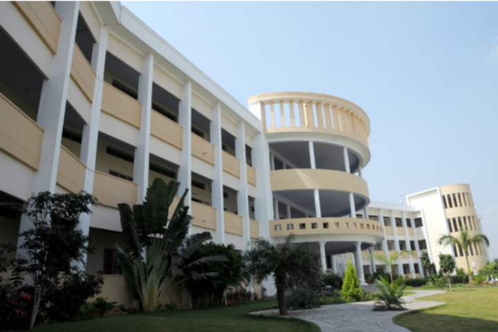 https://cache.careers360.mobi/media/colleges/social-media/media-gallery/4388/2019/3/4/Campus-View of Gnanamani College of Technology Namakkal_Campus-View.png