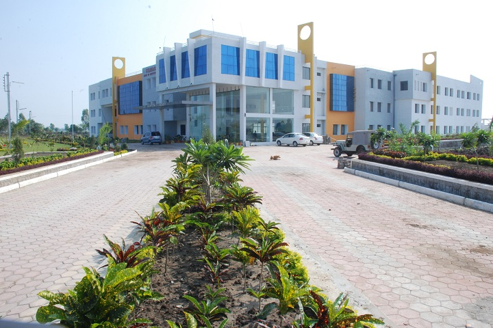 https://cache.careers360.mobi/media/colleges/social-media/media-gallery/4407/2018/10/5/College Front View of Girdhar Shiksha Evam Samaj Kalyan Samiti Group of Institutions Bhopal_Campus-View.jpg