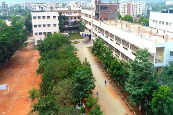 https://cache.careers360.mobi/media/colleges/social-media/media-gallery/4422/2020/8/19/Campus View of Gayatri Vidya Parishad College of Engineering for Women Visakhapatnam_Campus-View.jpg