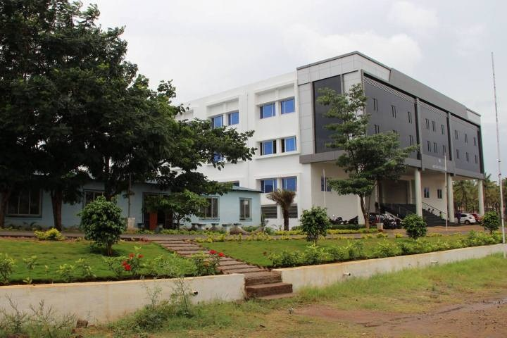 https://cache.careers360.mobi/media/colleges/social-media/media-gallery/4511/2018/10/23/Campus View of EASA College of Engineering and Technology Coimbatore_Campus-View.jpg