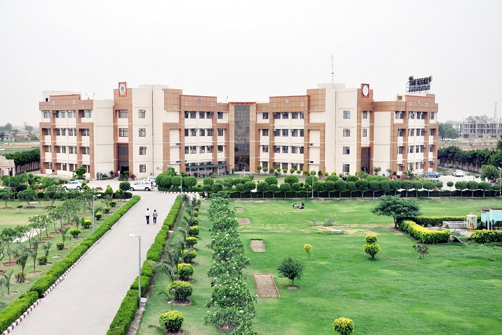 https://cache.careers360.mobi/media/colleges/social-media/media-gallery/4599/2018/10/14/Campus View of Delhi Institute of Technology and Management Sonipat_Campus View.JPG