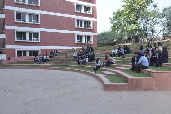 https://cache.careers360.mobi/media/colleges/social-media/media-gallery/462/2018/7/27/International-Management-Institute-Delhi-Campus5.jpg