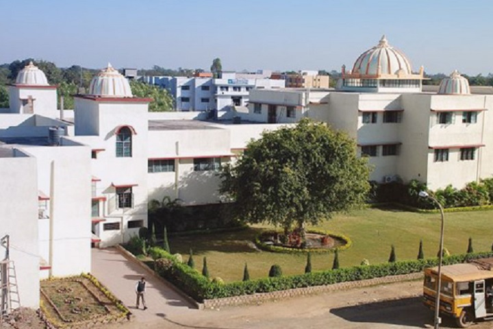 https://cache.careers360.mobi/media/colleges/social-media/media-gallery/4678/2019/3/30/Campus View of Chouksey Engineering College Bilaspur_Campus-View.jpg