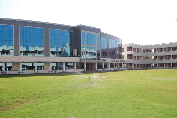 https://cache.careers360.mobi/media/colleges/social-media/media-gallery/4684/2018/9/12/Campus-View of Chhattisgarh Institute of Technology_Campus-View.jpg