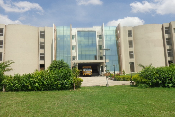 https://cache.careers360.mobi/media/colleges/social-media/media-gallery/4688/2019/3/4/Campus View of Chhatratpati Shahuji Maharaj College of Engineering and Technology Allahabad_Campus-View.jpg