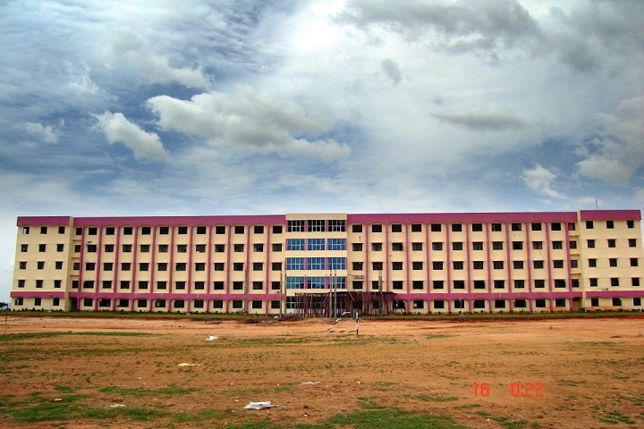 https://cache.careers360.mobi/media/colleges/social-media/media-gallery/4712/2020/9/1/Campus View of Chadalawada Ramanamma Engineering College Tirupati_Campus-View.jpg
