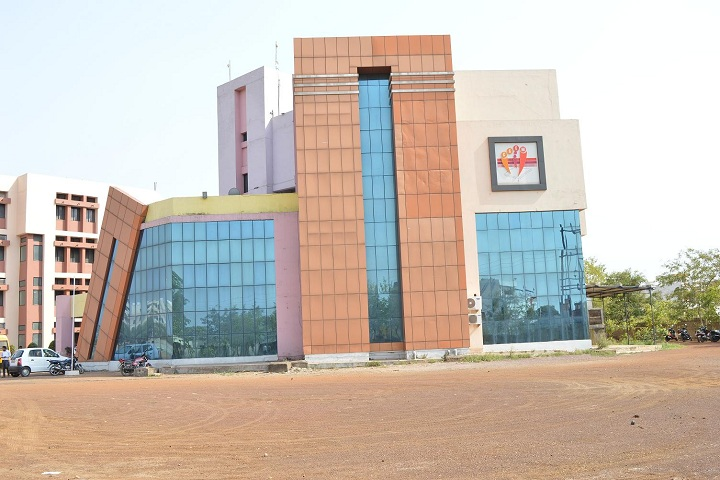 https://cache.careers360.mobi/media/colleges/social-media/media-gallery/4723/2018/10/30/College Building View of Central College of Engineering and Management Raipur_Campus-View.png