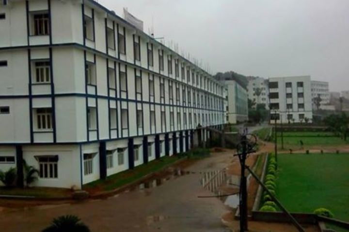 https://cache.careers360.mobi/media/colleges/social-media/media-gallery/4755/2018/10/30/Campus View of Brilliant Institute of Engineering and Technology Hayathnagar_Campus-View.jpg