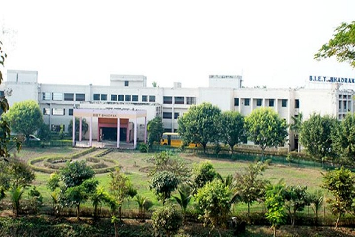 https://cache.careers360.mobi/media/colleges/social-media/media-gallery/4821/2019/3/6/Campus View of Bhadrak Institute of Engineering and Technology Bhadrak_Campus-View.jpg