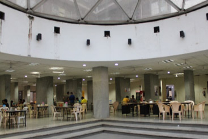 https://cache.careers360.mobi/media/colleges/social-media/media-gallery/483/2019/4/4/Mess of National Institute of Industrial Engineering Mumbai.jpg
