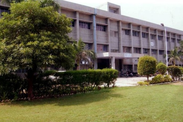 https://cache.careers360.mobi/media/colleges/social-media/media-gallery/4836/2018/5/15/Beant-College-of-Engineering-and-Technology-Gurdaspur10.jpg