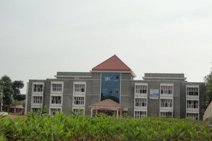 https://cache.careers360.mobi/media/colleges/social-media/media-gallery/4838/2019/2/25/Campus Front View of Baselios Mathews II College of Engineering Kollam_Campus-View.jpg