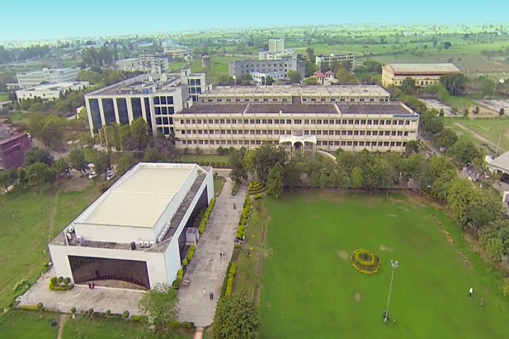 https://cache.careers360.mobi/media/colleges/social-media/media-gallery/4882/2019/5/28/Campus View of Baba Banda Singh Bahadur Engineering College Fatehgarh Sahib_Campus-View.png