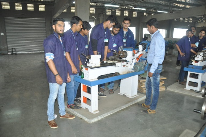 https://cache.careers360.mobi/media/colleges/social-media/media-gallery/4884/2019/3/8/Workshop of BR Harne College of Engineering and Technology Thane_Laboratory.jpg