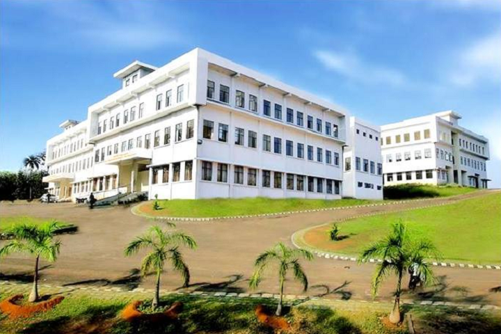 https://cache.careers360.mobi/media/colleges/social-media/media-gallery/4895/2019/2/18/College Building of Axis College of Engineering and Technology Thrissur_Campus-View.jpg