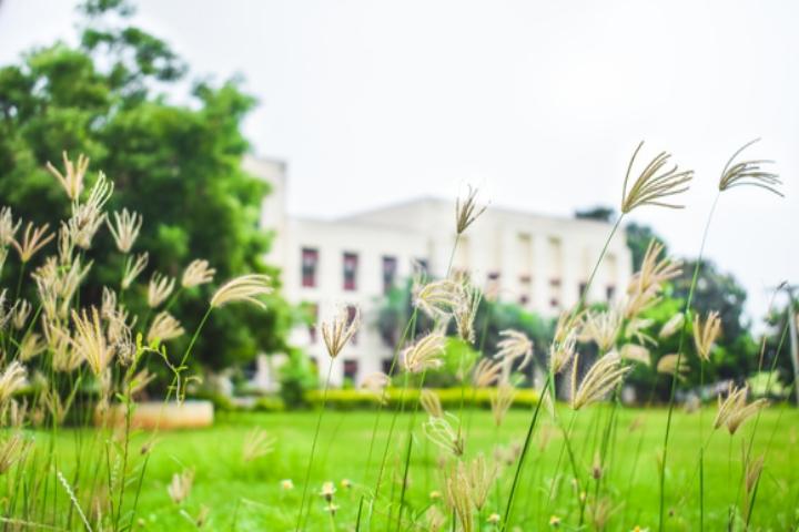 https://cache.careers360.mobi/media/colleges/social-media/media-gallery/4995/2018/5/15/Anil-Neerukonda-Institute-of-Technology-and-Sciences-Visakhapatnam1.jpg