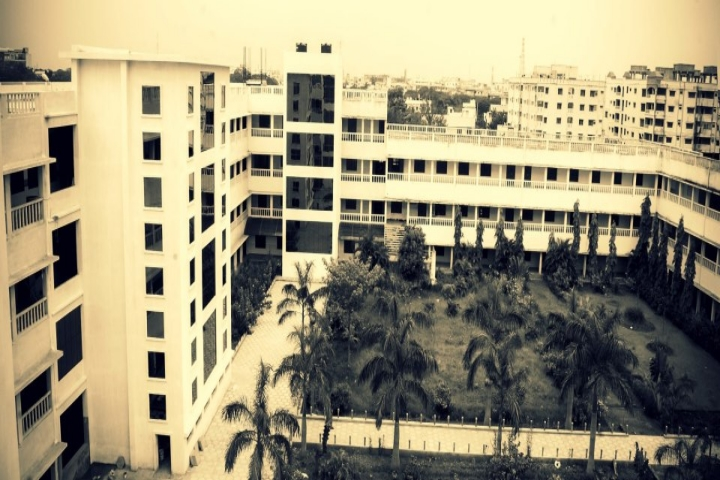 https://cache.careers360.mobi/media/colleges/social-media/media-gallery/4998/2019/5/29/Campus-View of Andhra Loyola Institute of Engineering and Technology Vijayawada_Campus-View.jpg