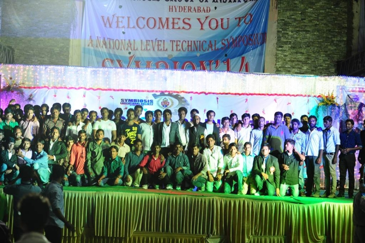 https://cache.careers360.mobi/media/colleges/social-media/media-gallery/5013/2019/1/12/Students of Amina Institute of Technology Shamirpet_Others.jpg