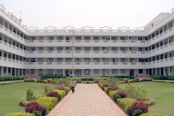 https://cache.careers360.mobi/media/colleges/social-media/media-gallery/5069/2019/5/30/Campus-View of Aditya Engineering College Surampalem_Campus-View.jpg