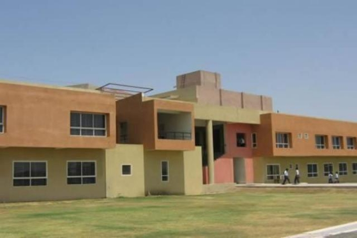 https://cache.careers360.mobi/media/colleges/social-media/media-gallery/5087/2020/9/22/Campus View of Acropolis Institute of Technology and Research Indore_Campus-View.jpg