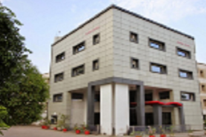 https://cache.careers360.mobi/media/colleges/social-media/media-gallery/5146/2020/7/27/Campus View of Rungta Engineering College Raipur_Campus-View.jpg