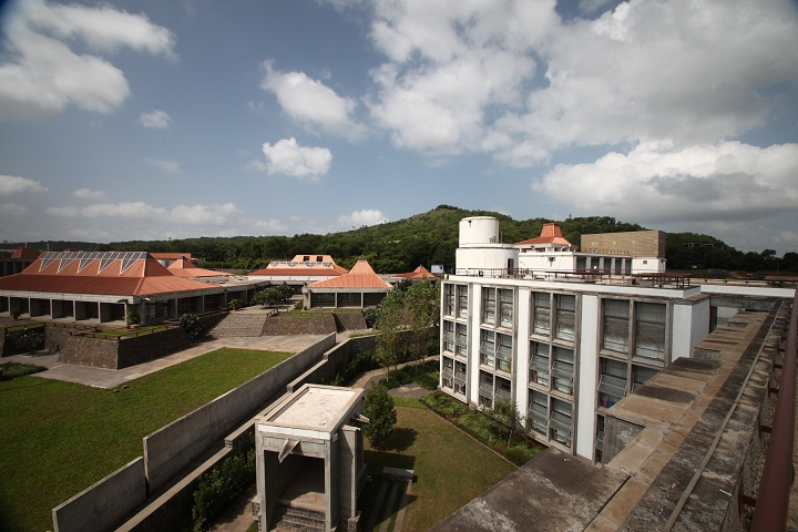 https://cache.careers360.mobi/media/colleges/social-media/media-gallery/517/2018/9/28/College View of Kirloskar Institute of Advanced Management Studies_Campus-View.JPG