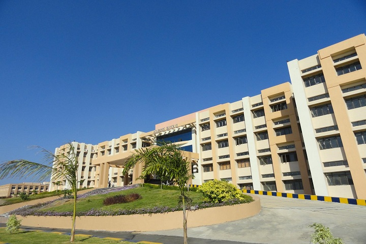 https://cache.careers360.mobi/media/colleges/social-media/media-gallery/5175/2019/2/26/Gate of JNTUH College of Engineering Karimnagar_Campus-view.JPG