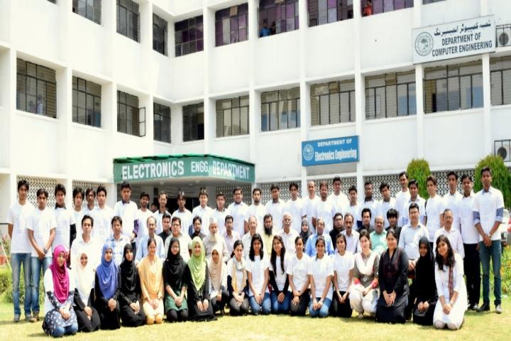 https://cache.careers360.mobi/media/colleges/social-media/media-gallery/5280/2018/7/20/Zakir-Husain-College-of-Engineering-and-Technology-Aligarh-Muslim-University-Aligarh-Campus3.jpg