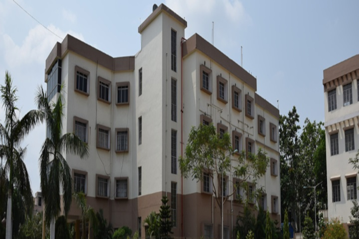 https://cache.careers360.mobi/media/colleges/social-media/media-gallery/5295/2019/3/6/Campus View of Dr BC Roy College of Pharmacy and Allied Health Sciences Durgapur_Campus-View.jpg
