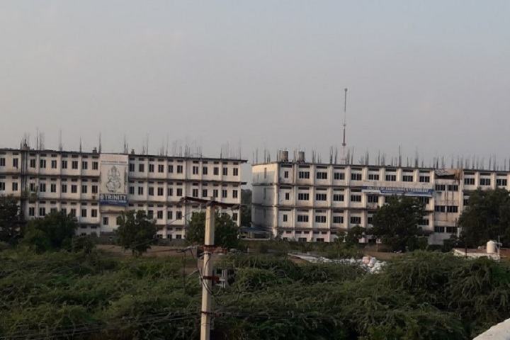 https://cache.careers360.mobi/media/colleges/social-media/media-gallery/5325/2020/10/27/Campus view of Trinity College of Engineering and Technology Karim Nagar_Campus-View.jpg