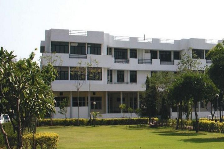 https://cache.careers360.mobi/media/colleges/social-media/media-gallery/533/2018/12/17/Campus View of Indian Institute of Crafts and Design Jaipur_Campus-View.JPG