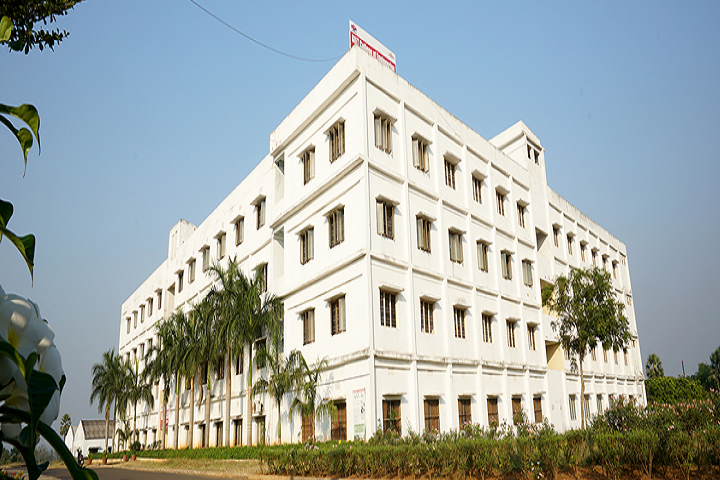 https://cache.careers360.mobi/media/colleges/social-media/media-gallery/5334/2019/2/25/Campus-View of GIET College of Engineering Rajahmundry_Campus-View.PNG