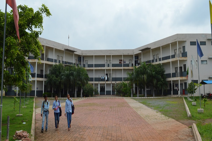 https://cache.careers360.mobi/media/colleges/social-media/media-gallery/5336/2019/6/1/Campus view of Shri Rawatpura Sarkar Institute of Technology II Raipur_Campus-View.png
